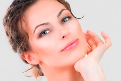 аллергия на подбородке у женщин фото