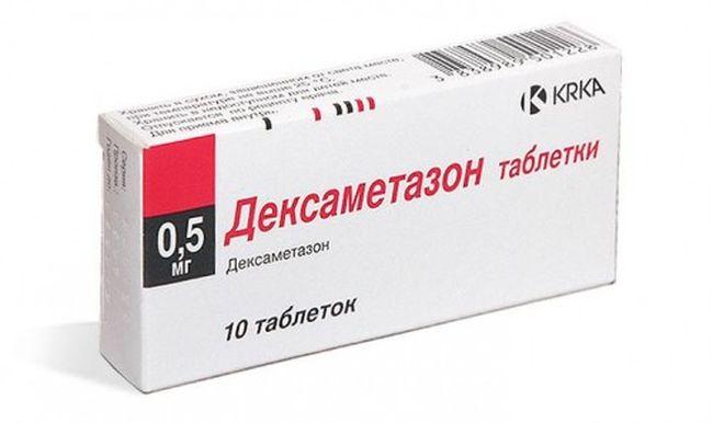 После обследования врач назначает медикаменты для лечения дерматоза. В это лечение зачастую входит препарат Дексаметазон