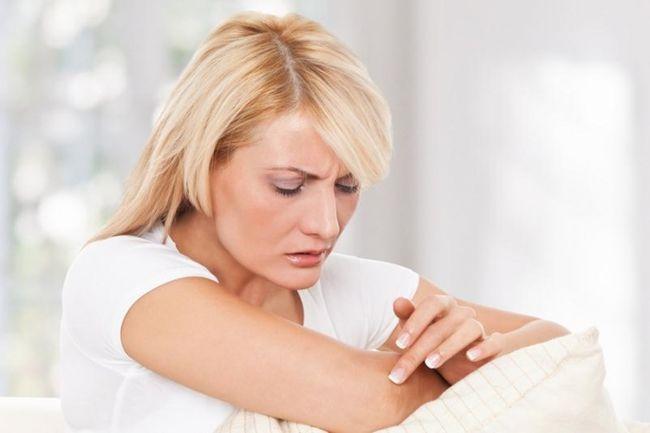 Женщины и мужчины могут заболеть экземой в любом возрасте