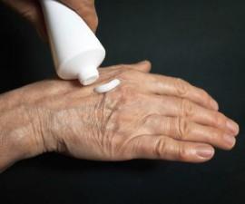 Крема при сухой экземе: гормональные, противовоспалительные и противомикробные