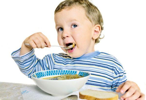 При лечении экземы ребенок должен придерживаться специальной диеты.